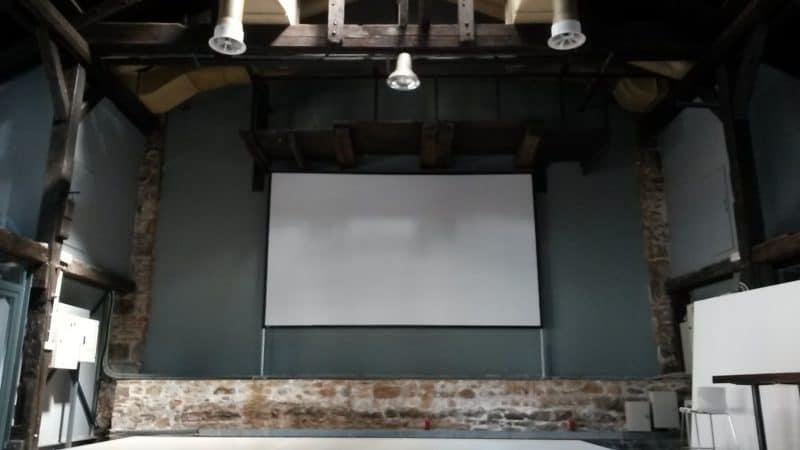 Ενοικίαση πανιού projector 4.6 x 2.7m Front.